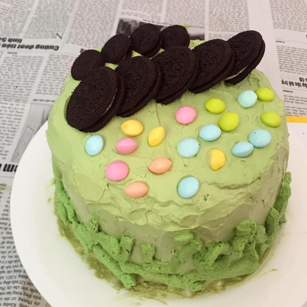 Con gái khóc thét khi nhìn thấy bánh sinh nhật mùa Covid mẹ và chị làm tặng, bố đảm đang ra tay trợ giúp  - Ảnh 5.