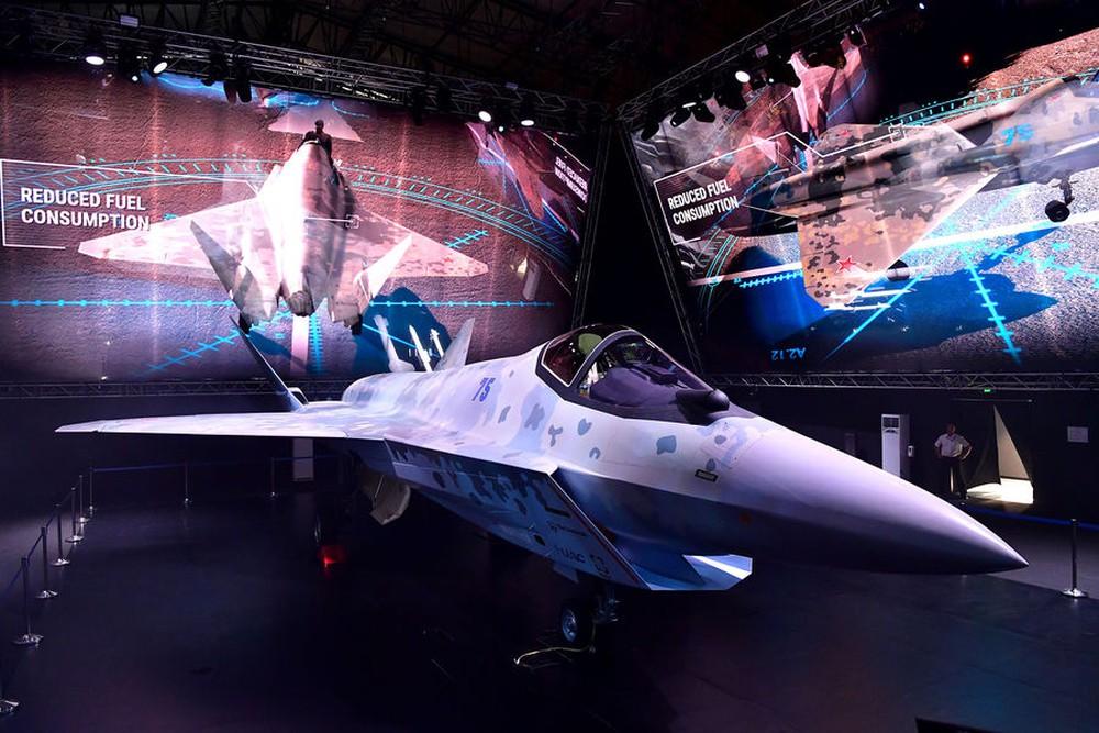 7 ngày rúng động thế giới: Những tinh hoa quân sự Nga khuynh đảo toàn cầu - Ảnh 1.