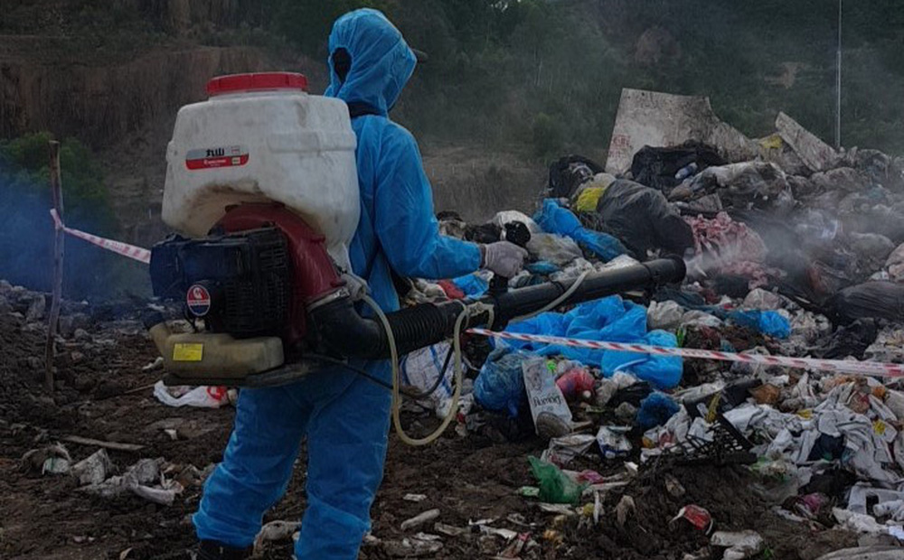 Vụ trộn rác thải phòng chống Covid-19 vào rác sinh hoạt: Xử lý như thế nào?