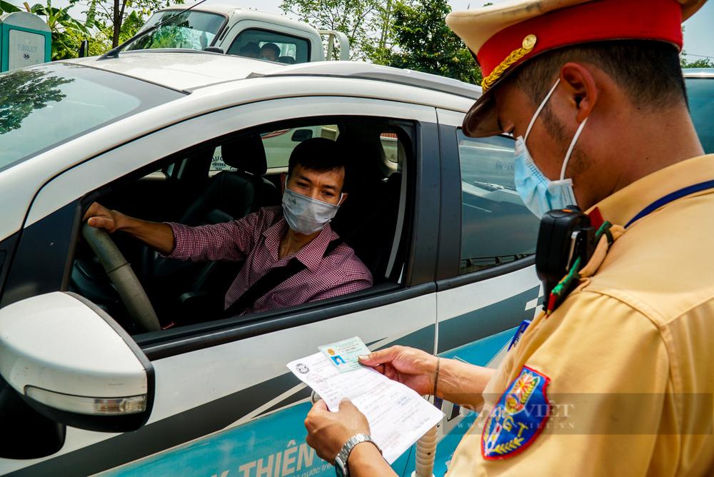 5 trường hợp đủ điều kiện được cấp giấy đi đường tại Hà Nội trong giãn cách xã hội - Ảnh 3.