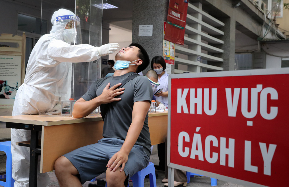 Hà Nội trưa 30/7 ghi nhận 61 trường hợp dương tính SARS-CoV-2 - Ảnh 1.