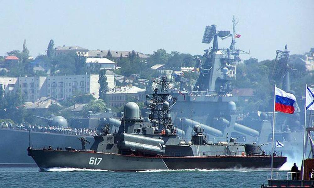 Ukraine vừa nhận hai cái tát trời giáng từ cả Nga và Mỹ: Cửa vào NATO đóng sập! - Ảnh 2.