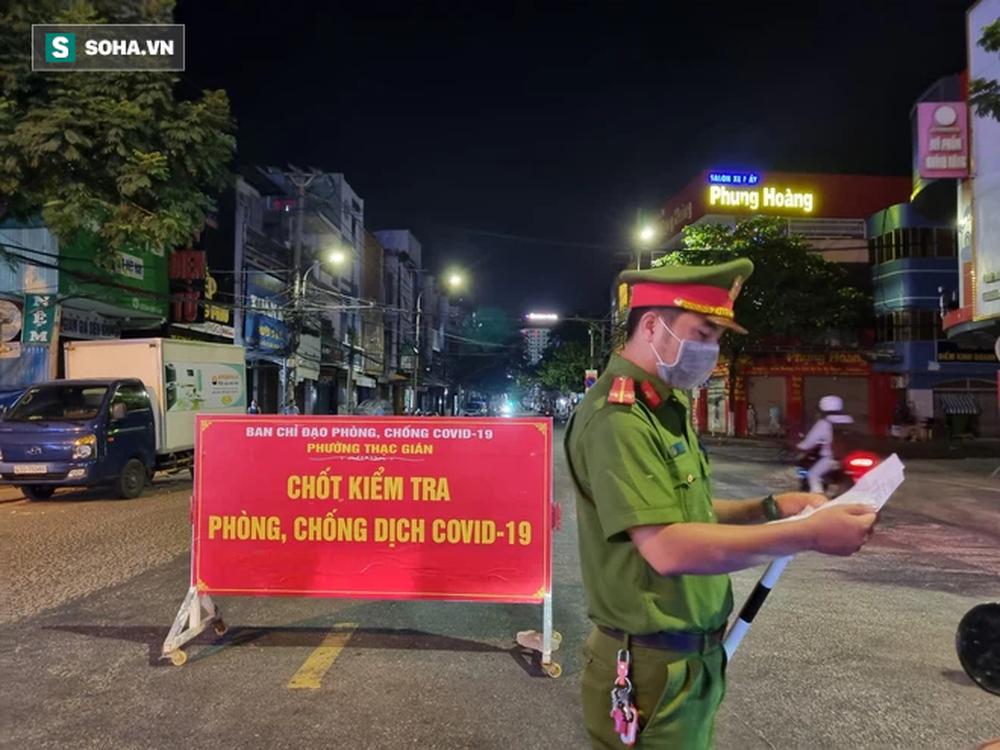 Cận cảnh đường phố Đà Nẵng khi thực hiện Chỉ thị 05, với các biện pháp mạnh hơn Chỉ thị 16 - Ảnh 1.