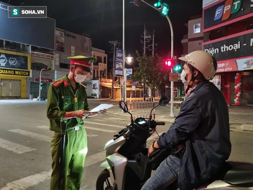 Cận cảnh đường phố Đà Nẵng khi thực hiện Chỉ thị 05, với các biện pháp mạnh hơn Chỉ thị 16 - Ảnh 3.