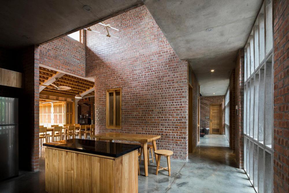 Mê mẩn với nhà gạch gỗ xoan nhiều cửa ở Phú Thọ - Ảnh 13.