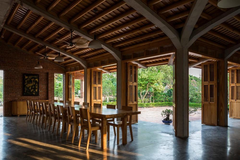 Mê mẩn với nhà gạch gỗ xoan nhiều cửa ở Phú Thọ - Ảnh 4.