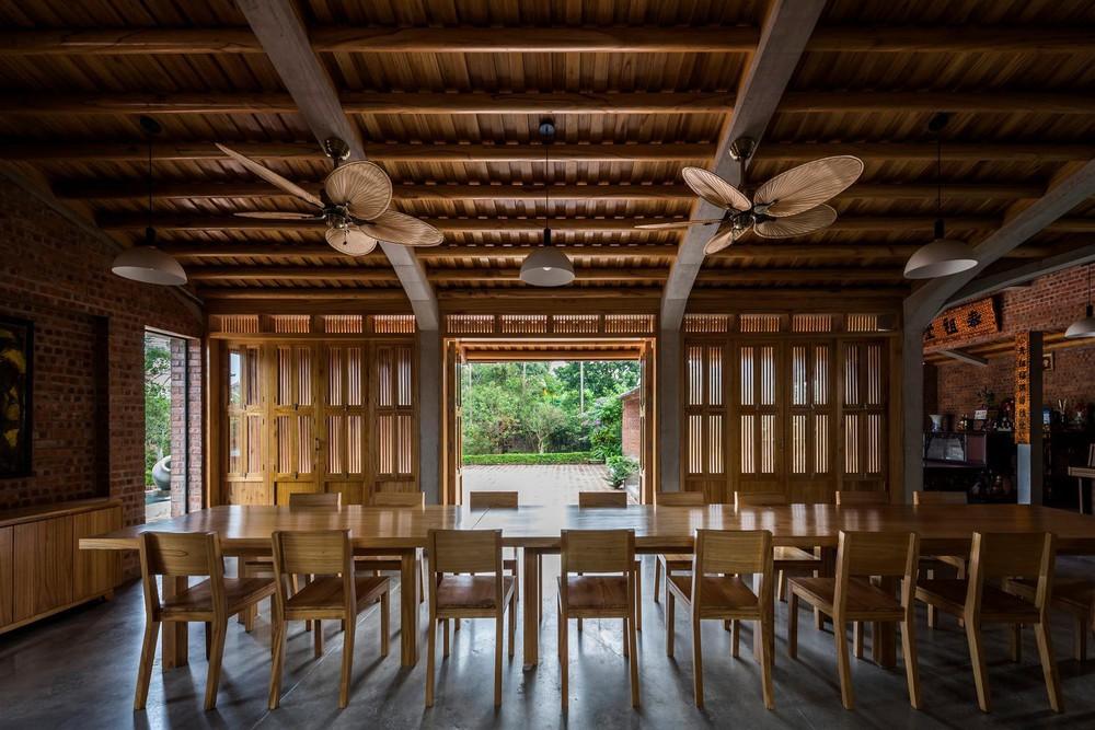 Mê mẩn với nhà gạch gỗ xoan nhiều cửa ở Phú Thọ - Ảnh 5.
