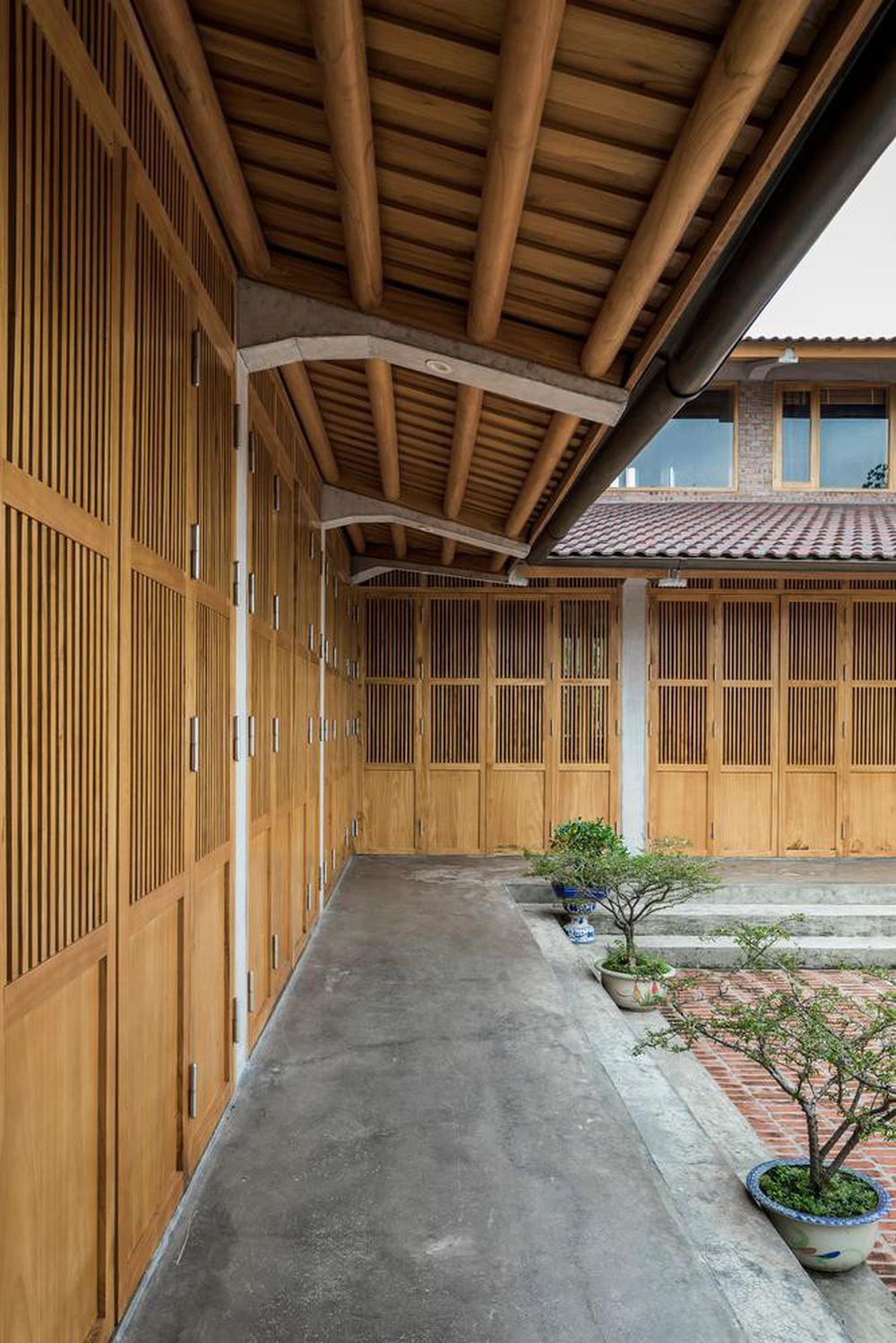 Mê mẩn với nhà gạch gỗ xoan nhiều cửa ở Phú Thọ - Ảnh 6.