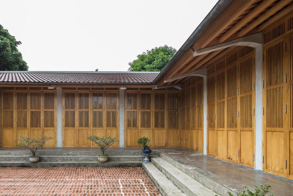 Mê mẩn với nhà gạch gỗ xoan nhiều cửa ở Phú Thọ - Ảnh 7.