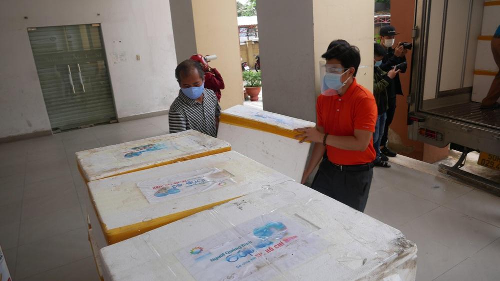 Người dân Quảng Bình gửi 3 tấn cá đặc sản hỗ trợ người Sài Gòn trong mùa dịch - Ảnh 4.