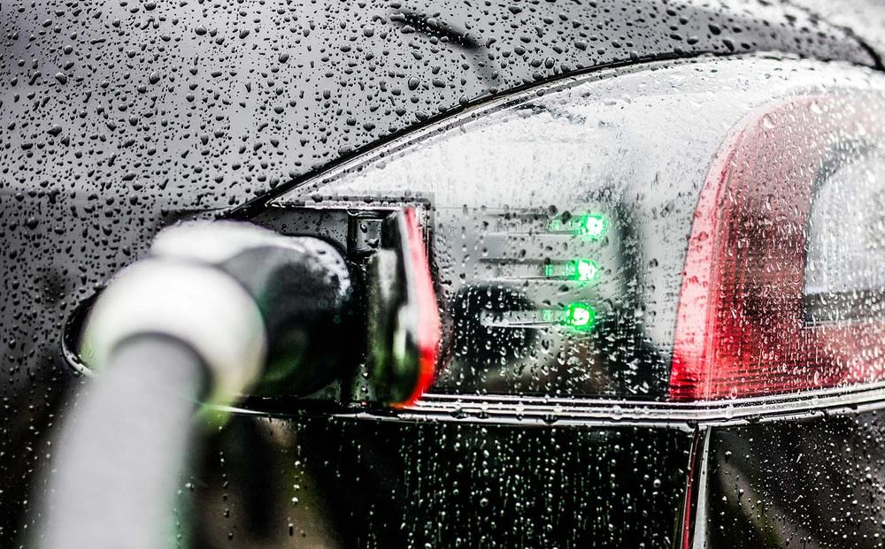 Trái tim năng lượng của xe điện: Việt Nam nắng gắt mưa dầm - xe điện sẽ ra sao?