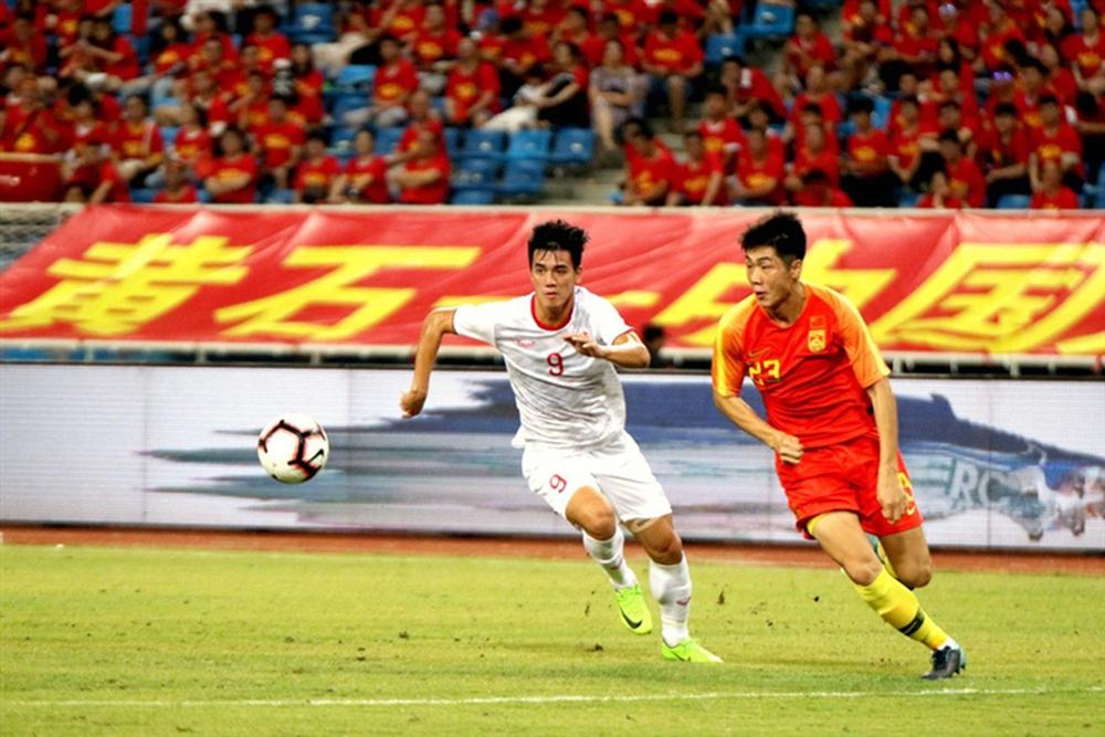 Tuyển Trung Quốc hơn tuyển Việt Nam nhiều mặt, nhưng cũng một chín một mười thôi! - Ảnh 1.