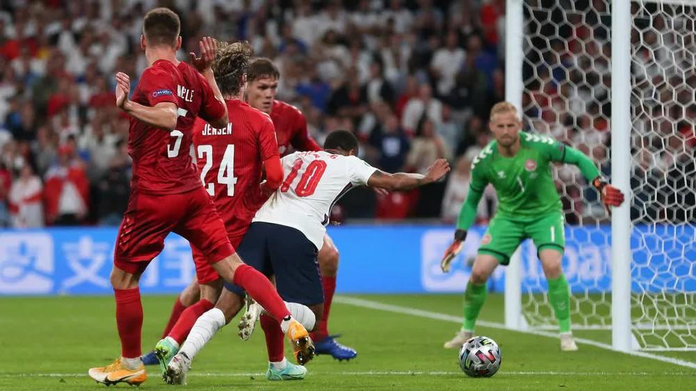 Đội tuyển Anh từng vô địch World Cup nhờ bàn thắng ma, người Italia có nên cảnh giác? - Ảnh 3.