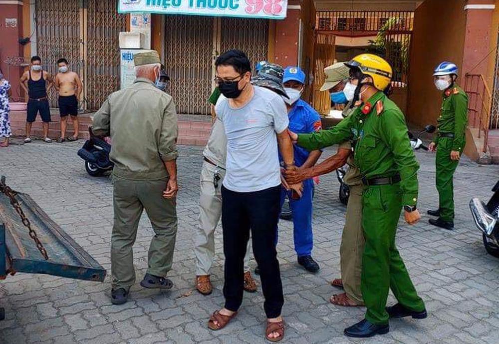 Vụ cán bộ văn phòng Đoàn ĐBQH và HĐND TP Đà Nẵng xô xát với nữ nhân viên y tế: Ông ấy tát tôi thẳng tay - Ảnh 1.