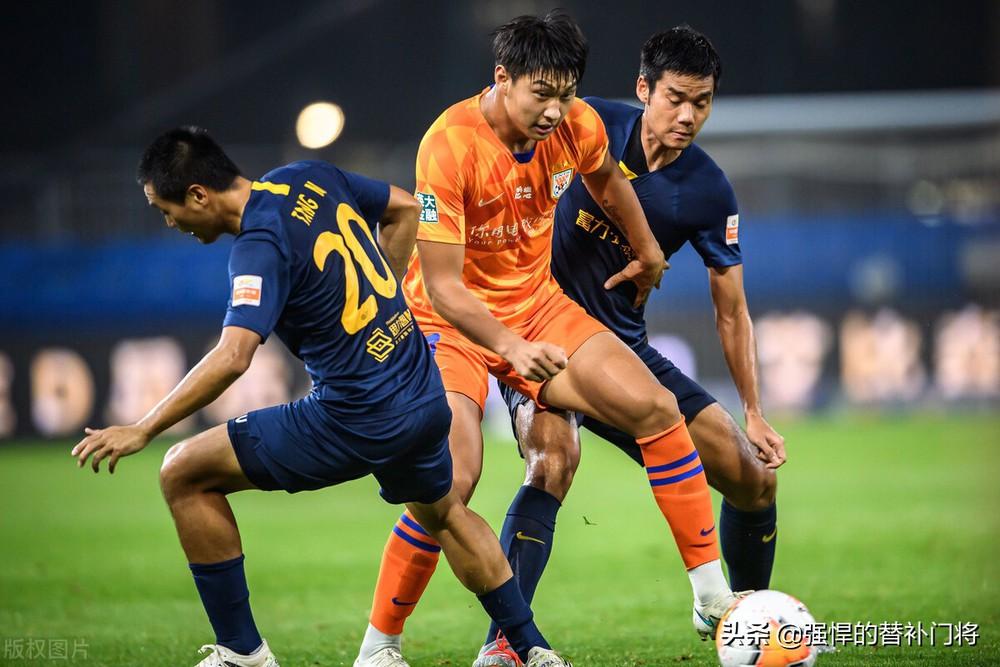 Cựu sao Man United vô tình giúp đội tuyển Trung Quốc có vũ khí làm đau đầu HLV Park Hang-seo - Ảnh 2.