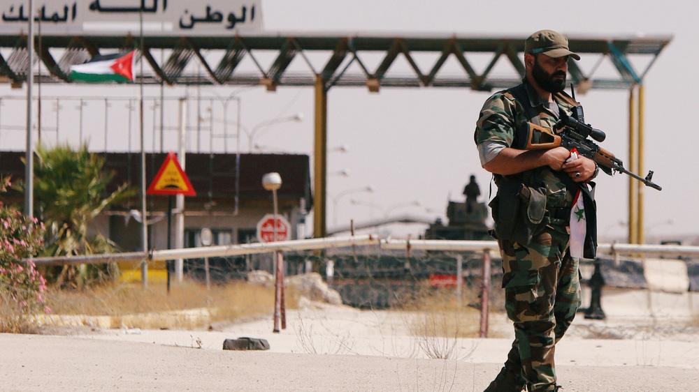 Được Mỹ bật đèn xanh, Jordan tung đòn hiểm giữa lúc phiến quân bị vây khốn ở nam Syria? - Ảnh 1.