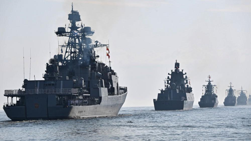 Cả chục tàu chiến NATO bị Nga bế lên bờ: Sốc trước sức mạnh tác chiến điện tử vô song - Ảnh 5.