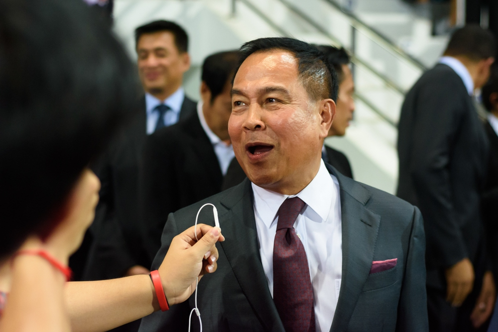 """CĐV Thái Lan phẫn nộ, đòi """"bẻ ghế"""" của Chủ tịch LĐBĐ sau vụ HLV Nishino bị sa thải - Ảnh 1."""