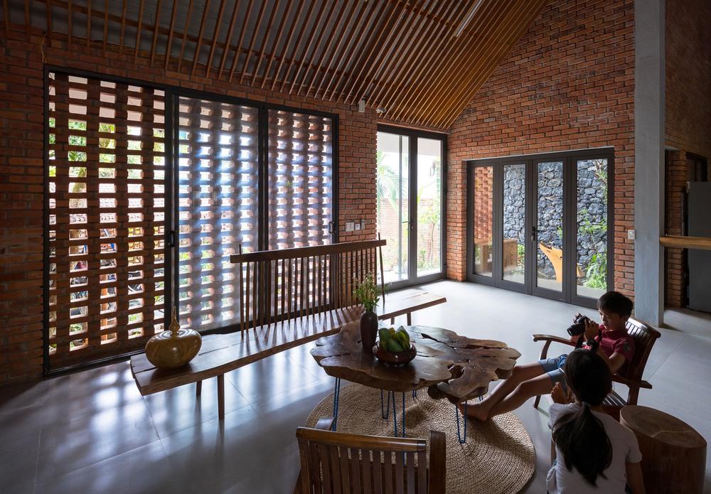 Ngôi nhà gạch thiết kế ngẫu hứng trên sườn đồi ở Sơn La xuất hiện trên báo Mỹ - Ảnh 9.