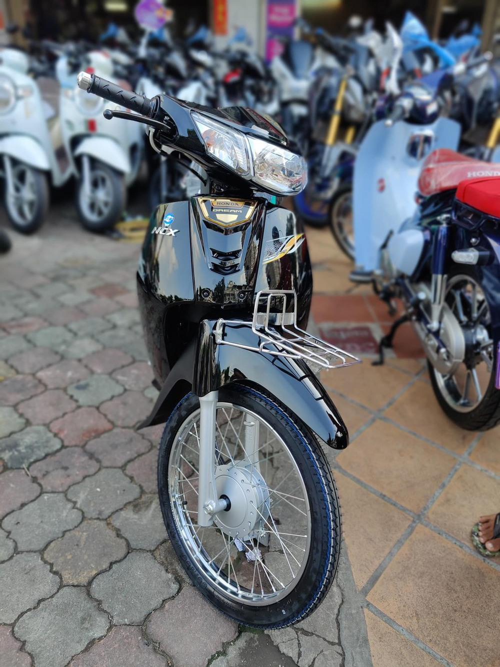 Honda Dream 2021 rục rịch về Việt Nam, đẹp mãn nhãn, giá 'thách cưới' ngỡ ngàng