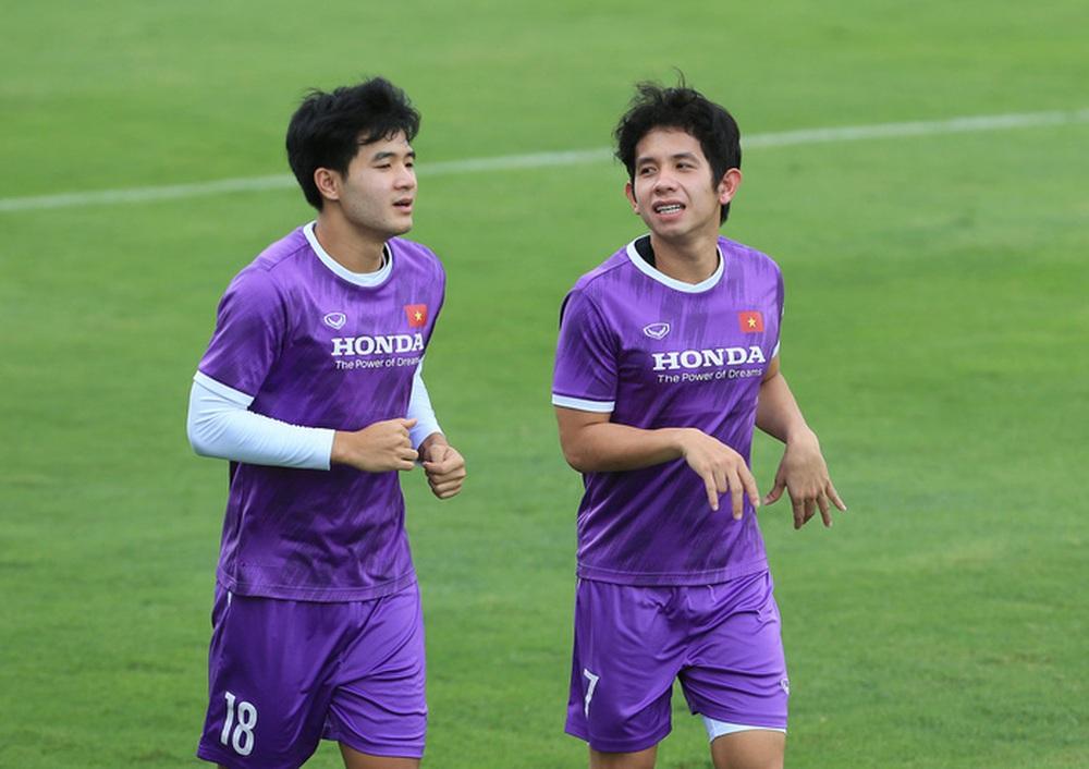 Văn Hậu khó trở lại, đã có Hồng Duy ở cánh trái tuyển Việt Nam - Ảnh 2.