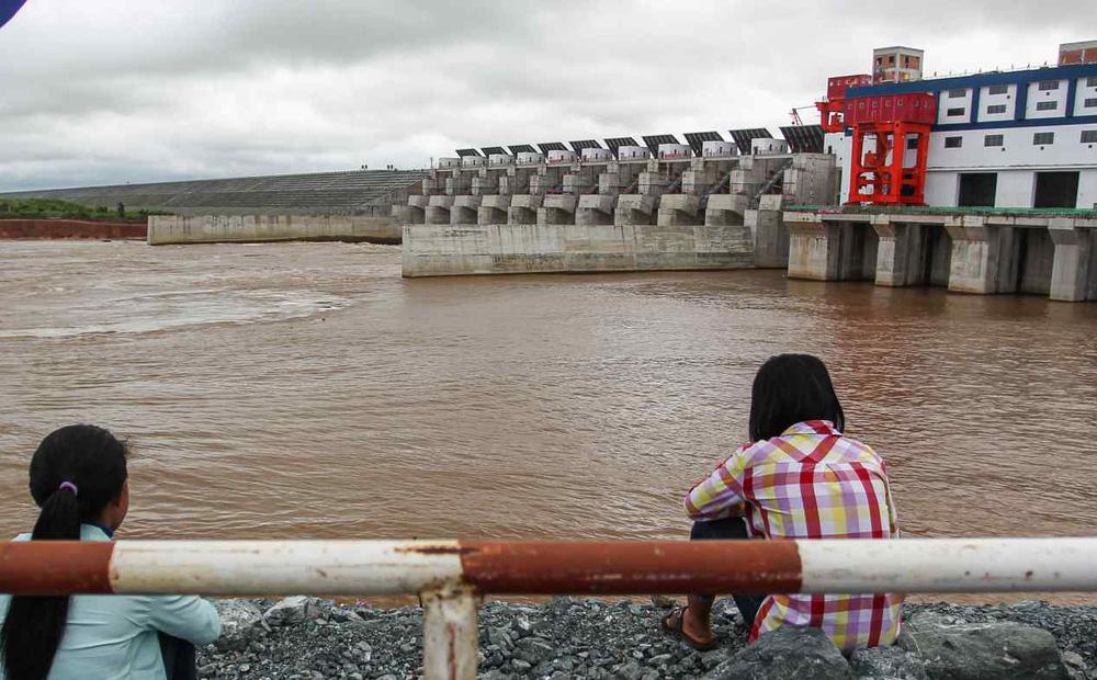 """""""Giá"""" của dự án thủy điện TQ xây ở Campuchia: Người mất nhà, sông mất cá, cộng đồng tan vỡ"""