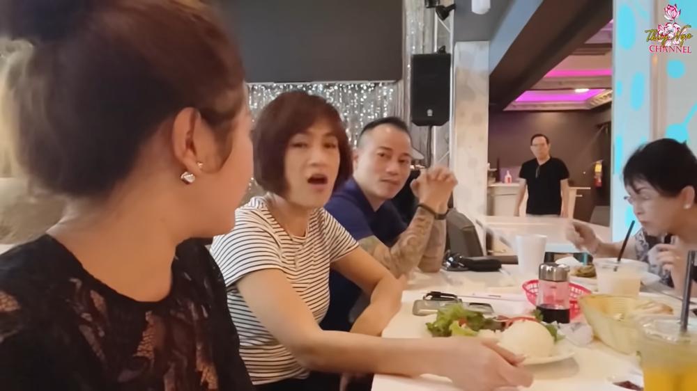 Lộ diện cháu ngoại xinh đẹp của danh ca Chế Linh tại Mỹ, Chế Phong nói điều bất ngờ - Ảnh 1.