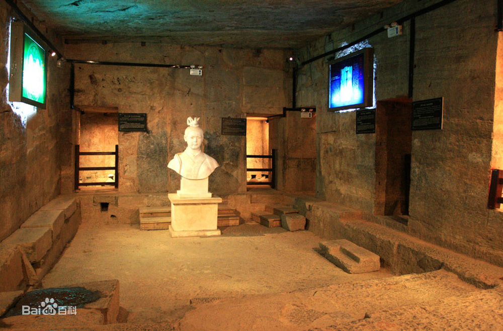 Đi theo con đường rải 3 tấn tiền xu, đội khảo cổ tìm đến lăng mộ xa hoa khó tin: Có cả... nhà vệ sinh cho chủ mộ! - Ảnh 1.
