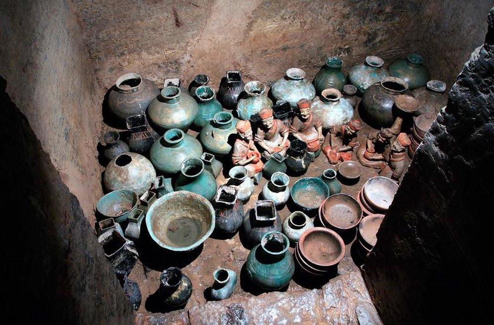 Đi theo con đường rải 3 tấn tiền xu, đội khảo cổ tìm đến lăng mộ xa hoa khó tin: Có cả... nhà vệ sinh cho chủ mộ! - Ảnh 5.