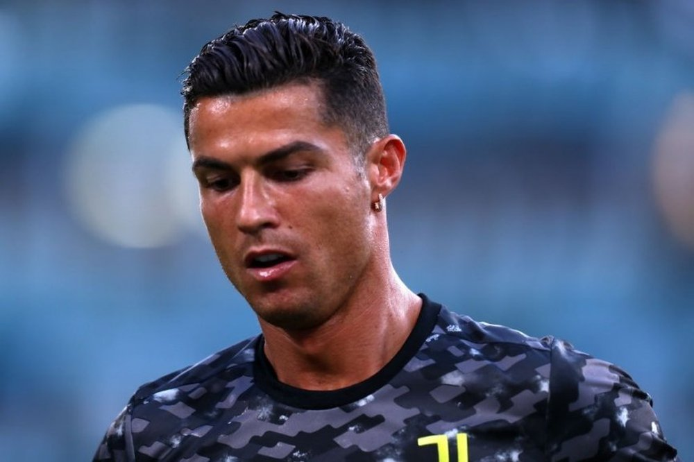 Ronaldo đi đêm với HLV, quyết định trở lại mái nhà xưa trong ít ngày tới? - Ảnh 1.