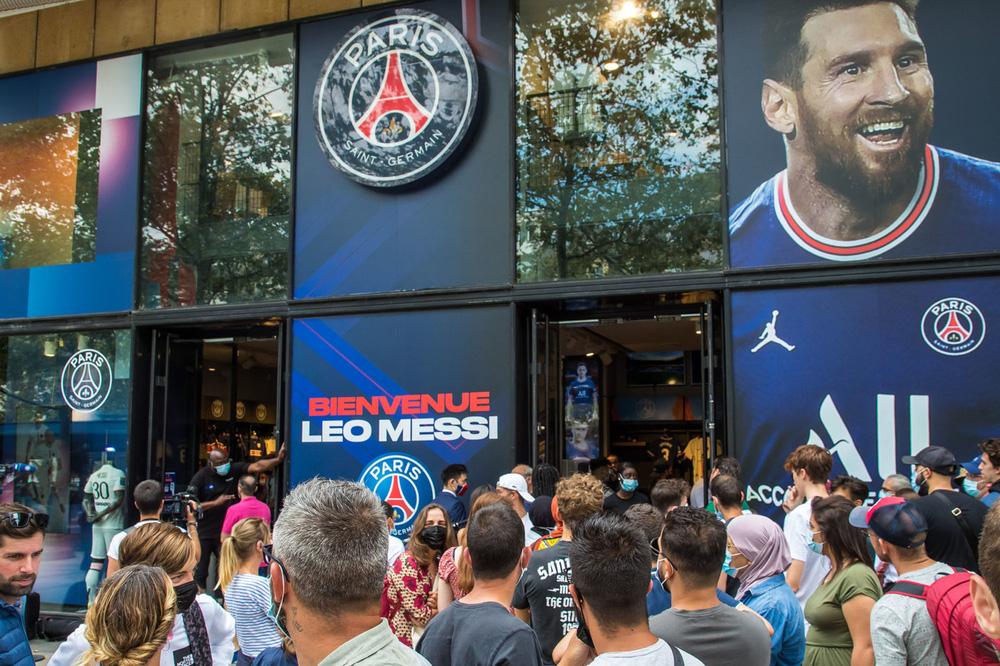 Michael Jordan ăn nên làm ra nhờ sự gia nhập của Lionel Messi ở PSG - Ảnh 3.
