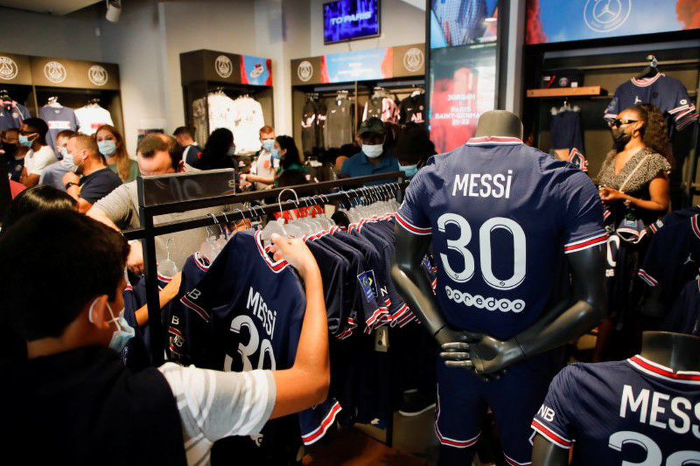 Michael Jordan ăn nên làm ra nhờ sự gia nhập của Lionel Messi ở PSG - Ảnh 5.