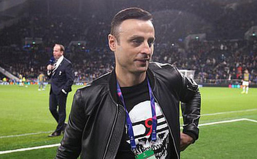 Berbatov: Harry Kane còn ngây thơ nên gặp khó trong việc rời Tottenham