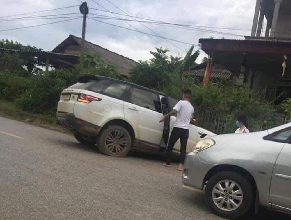 Giang hồ mạng Huấn Hoa Hồng lái xe sang Range Rover tự gây tai nạn ở Yên Bái - Ảnh 3.
