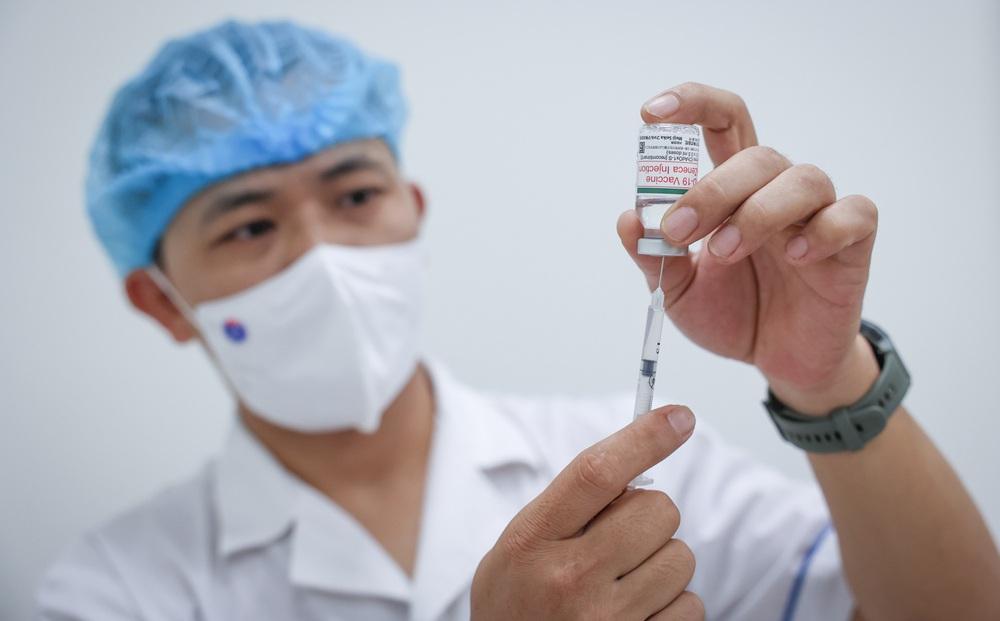 TS BS Nguyễn Huy Luân giải đáp 14 thắc mắc thường gặp khi tiêm vắc xin Covid-19 ai cũng nên biết