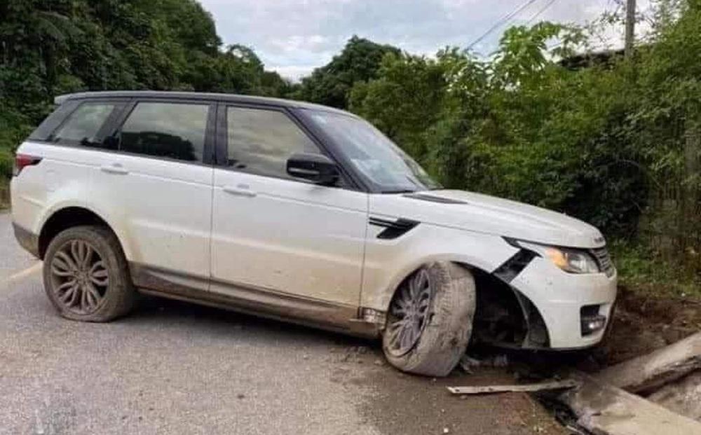 """""""Giang hồ mạng"""" Huấn Hoa Hồng lái xe Range Rover gặp nạn ở Yên Bái"""
