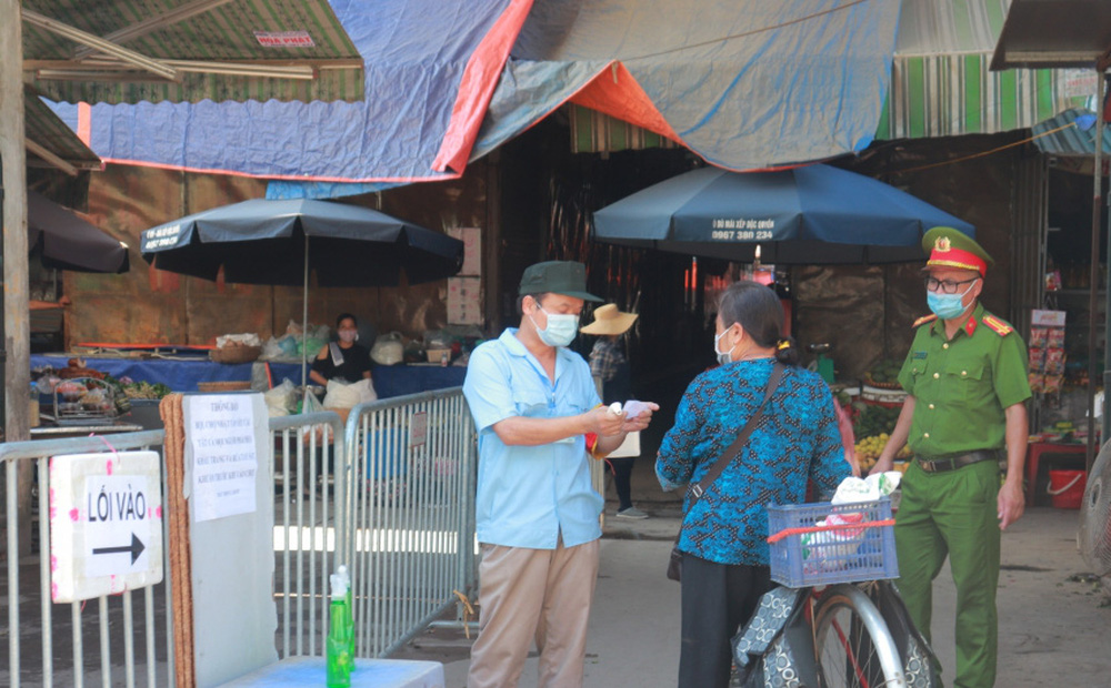 Chuyên gia gợi ý cách đi chợ, siêu thị an toàn trong đại dịch Covid-19