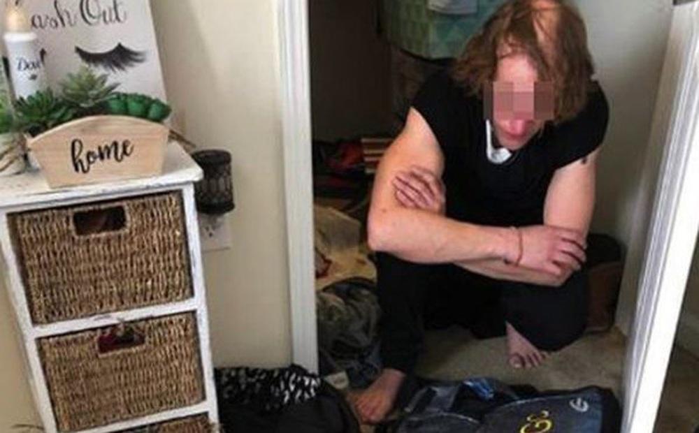 Bố mẹ chết sững khi phát hiện bí mật kinh hoàng trong tủ quần áo của con gái