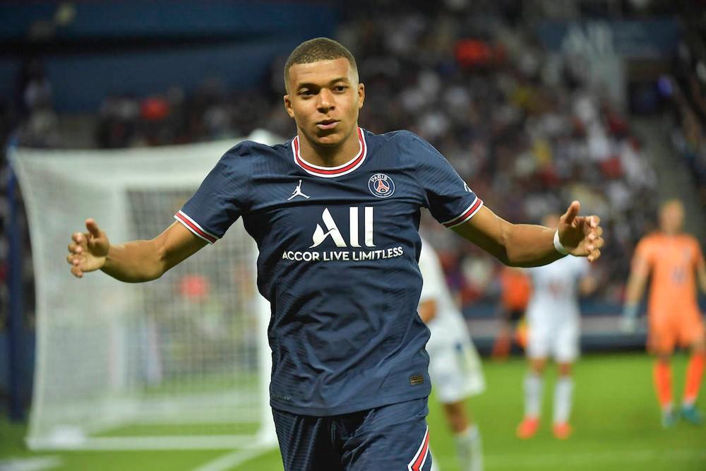 Chuyển nhượng bóng đá 21/8: MU gây sốc với Mbappe, PSG tiếp tục 'tàn phá' TTCN - Ảnh 1.
