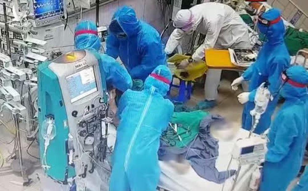 Đề xuất công nhận liệt sĩ với 3 nhân viên y tế qua đời khi chống dịch Covid-19