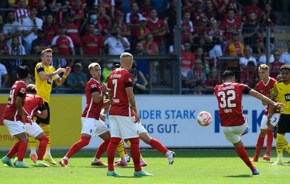 Haaland tịt ngòi, Dortmund nhận thất bại đầu tiên tại Bundesliga - Ảnh 4.