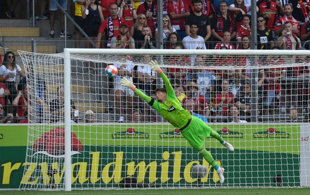 Haaland tịt ngòi, Dortmund nhận thất bại đầu tiên tại Bundesliga - Ảnh 5.