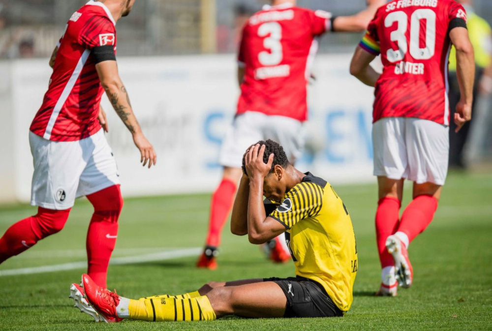 Haaland tịt ngòi, Dortmund nhận thất bại đầu tiên tại Bundesliga - Ảnh 6.