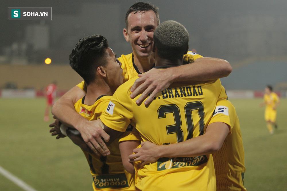 HAGL chia tay trung vệ châu Âu, nhiều CLB V.League đồng loạt thanh lý hợp đồng ngoại binh - Ảnh 1.