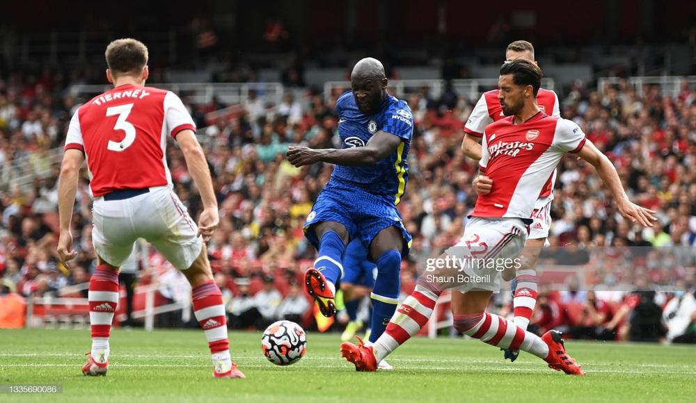 Lukaku càn quét đối thủ trong ngày trở lại, Chelsea lạnh lùng nhấn chìm Arsenal - Ảnh 1.