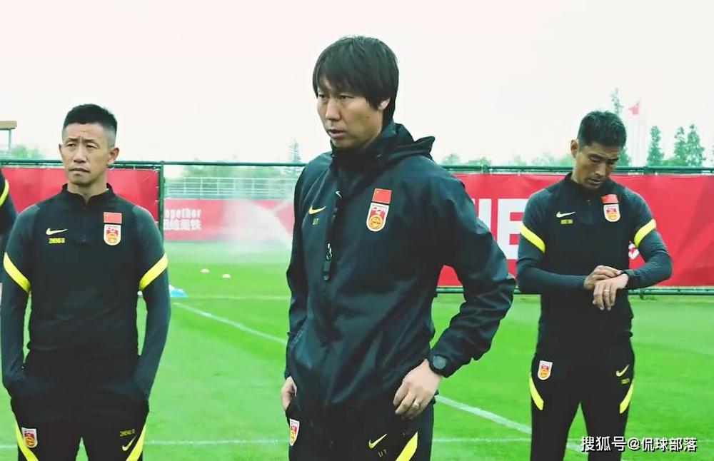 ĐTQG sẵn sàng chia tay HLV Li Tie, báo Trung Quốc gợi ý nhà vô địch World Cup để thay thế - Ảnh 1.
