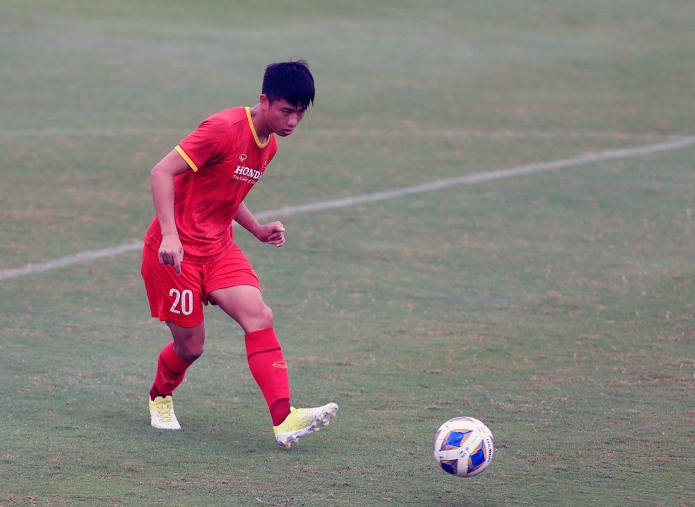 Tiền vệ Phan Văn Đức: Tuyển Việt Nam đặt mục tiêu có 1 điểm trên sân khách Saudi Arabia - Ảnh 1.