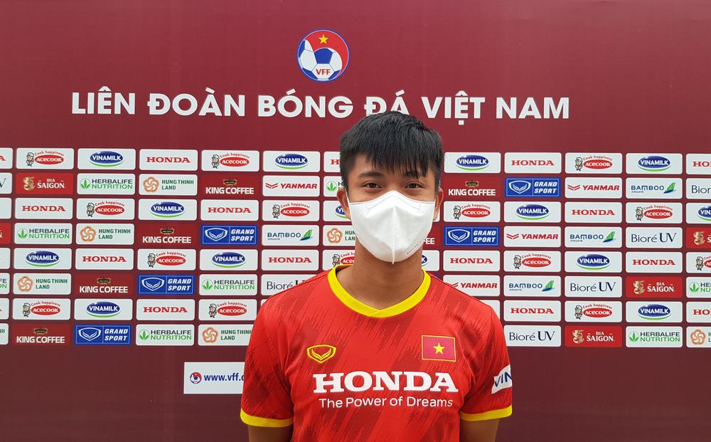 Tiền vệ Phan Văn Đức: