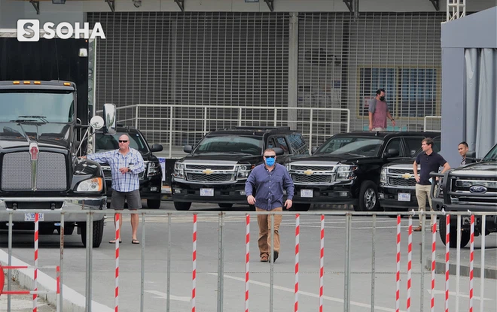 """Dàn xe của đặc vụ Mỹ tập kết tại """"cửa bếp"""" khách sạn, chuẩn bị đón Phó TT Mỹ Kamala Harris tới Việt Nam - Ảnh 6."""