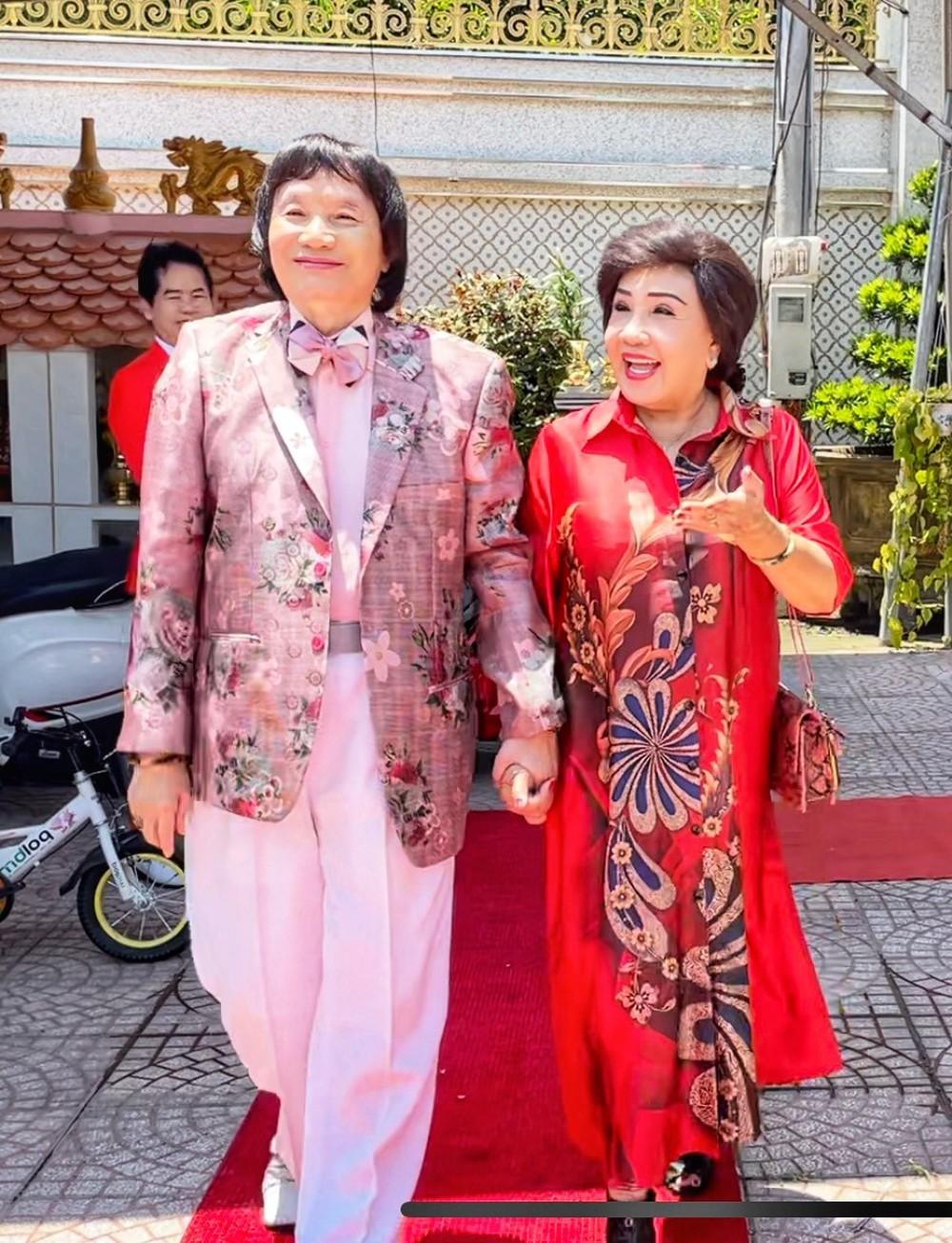 Ông hoàng cải lương Minh Vương: Sống bình yên sau bạo bệnh, hôn nhân 30 năm hạnh phúc - Ảnh 1.